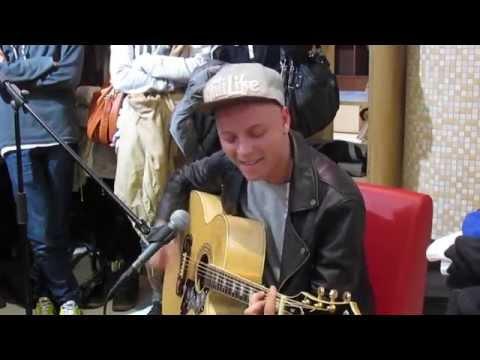 Ник Черников - Играет рок, трясет бошкой