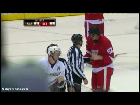 Jonathan Ericsson & Corey Perry FIGHT...almost