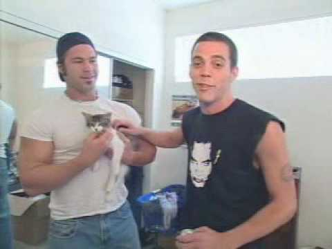 MTV Cribs - Jackass - Steve-O, Bam Margera, Ryan Dunn, Chris Pontius (part 1/3) Video