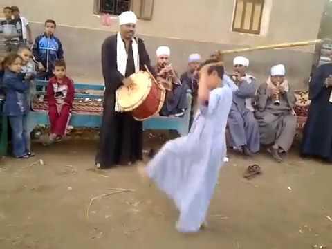 رقص طفل صعيدى بالعصا thumbnail