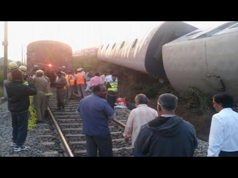 TN:  Kanyakumari Bangalore express train derails, 20 injured-NewspointTV