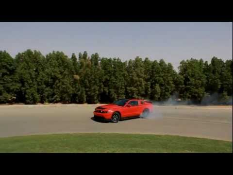 Ford Mustang drifts