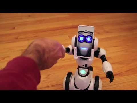 RoboMe From WowWee Toys. Hands-On Review Part 1.  A Robotic Buddy With Personality