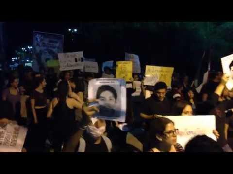 Marcha por Ayotzinapa en Cancún