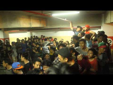 "Download  OUTRIGHT ft. Rully ""FRAUD"" - NEVER GIVE UP!! Live on Kapas Krampung Plaza Surabaya Gratis, download lagu terbaru"