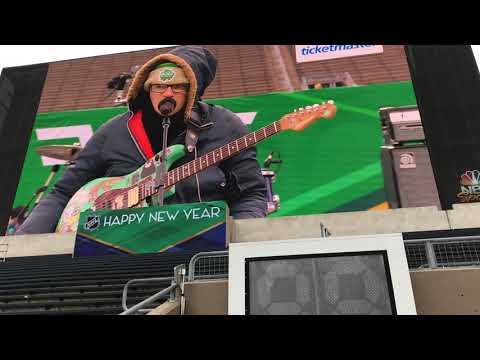 "Weezer ""Africa"" Soundcheck Winter Classic 2019"