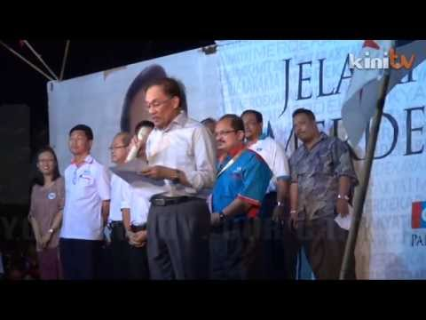 Thousands throng Anwar ceramah in Malacca