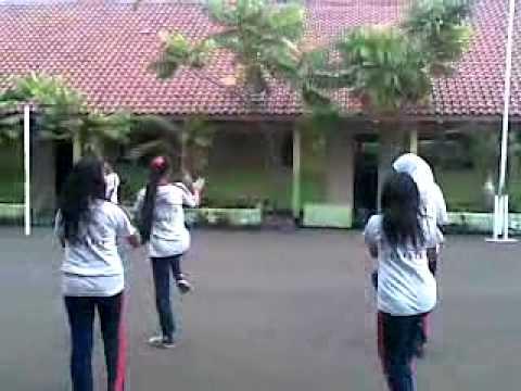 Senam Poco-poco Smpn 151 Jakarta Utara..mp4 video