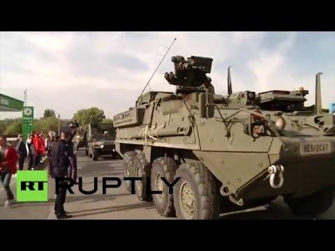 МОЛДАВИЯ 03 05 2016 Молдавские депутаты заблокировали колонну военной техники США на въезде в страну