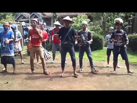 download lagu Temon Holic Ngawi Ndeso Pulang Malu Tak gratis