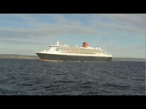 Queen Mary 2.Sailing By Scarborough England 19/09/2011