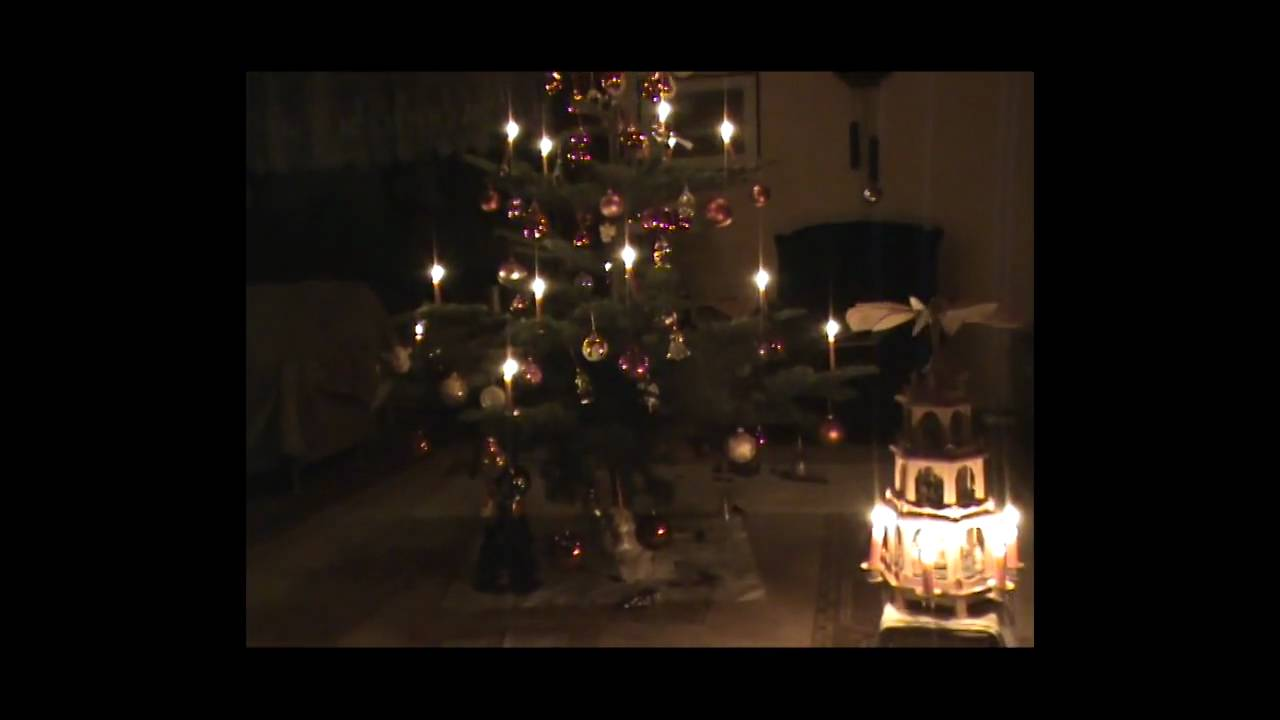 Merry Christmas - Mannheim Steamroller- Deck the Halls - YouTube