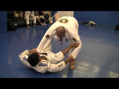 Brazilian Jiu-Jitsu Technique - ROLLING REFLECTIONS - Gregor Gracie - BJJ Weekly