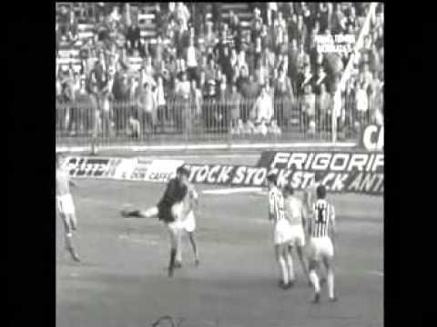 CAMPIONATO 1970 71 NAPOLI JUVENTUS 1 0 GOAL DI POGLIANA CON ENRiCO AMERI