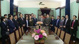 Chủ tịch Ủy ban TƯ MTTQ Việt Nam Trần Thanh Mẫn dâng hương tưởng nhớ Bác Hồ