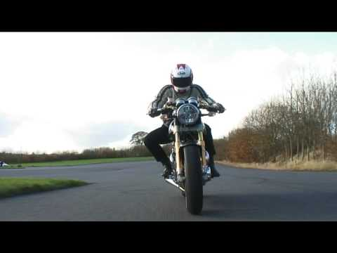 Norton Commando 961 SE first ride