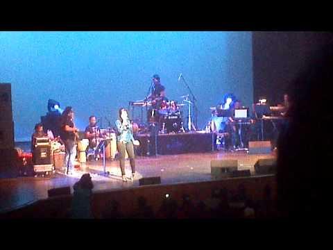 Shreya Ghoshal San Jose 2012: Bade Achhe Lagte Hain