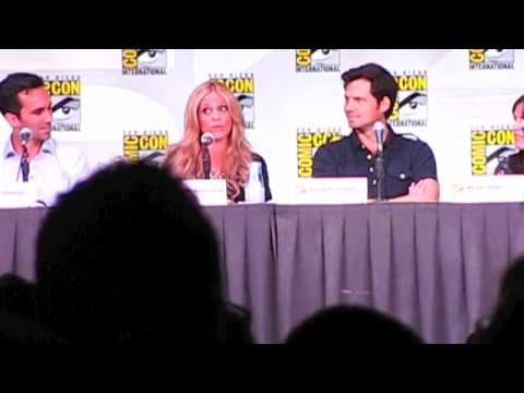Sarah Michelle Gellar Dishes About Stunts on Ringer vs. Buffy at San Diego Comic-Con 2011!