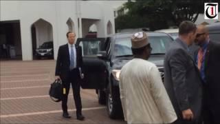 VIDEO: U.S. Secretary of State, John Kerry, arrives Nigeria's presidential villa