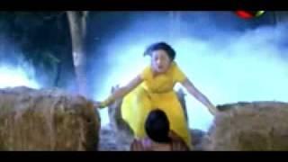 urvashi dholkia rain song in yellow saree