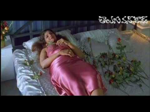 Hot romantic scenes between Chiru and Rambha