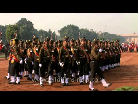 Trumpets and marching at the Changing of the Guard, Rashtrapati Bhavan