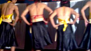 Hot boy ADCOM SOUTH Múa trống cơm.mp4