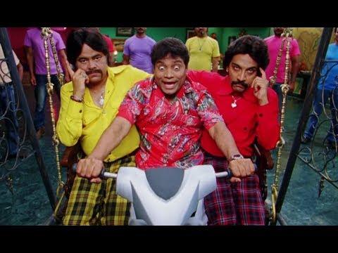 Ajay Devgn, Shreyas Talpade & Kareena Kapoor's Mischievous Prank - Golmaal 3