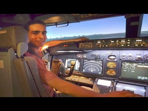 Can a FLIGHT SIMMER land a Boeing 737? FIRST Takeoff & Landing in FULL MOTION Flight Simulator!