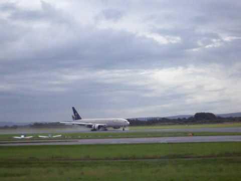 saudi arabian 777 landing