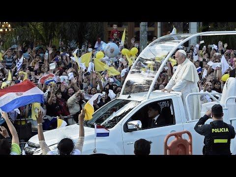 Papa Francisco felicitó a Paraguay por avances democráticos