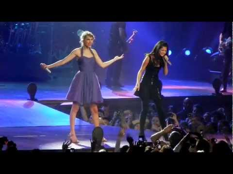 Taylor Swift And Selena Gomez Sing who Says video