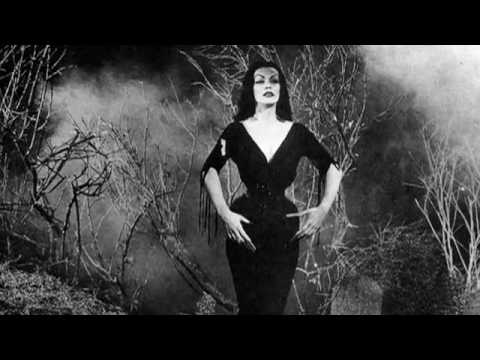American Scary - Vampira section preview