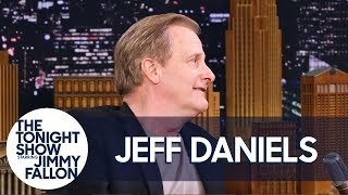 "Jeff Daniels Reacts to Kendall and Kylie Jenner's ""Dumb and Dumber"" Met Gala Outfits"