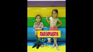 SERU!! BERMAIN MANDI BOLA PEROSOTAN TRAMPOLIN | FUN INDOOR PLAYGROUND WITH MISHA AND KHAIL