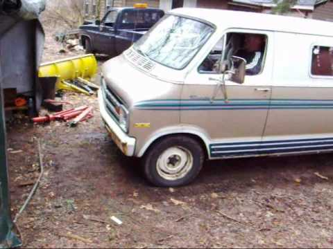 1975 dodge van cold start,burnouts,backfires and lots of noise!!!!!