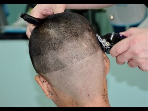 Girl´s military hair cut