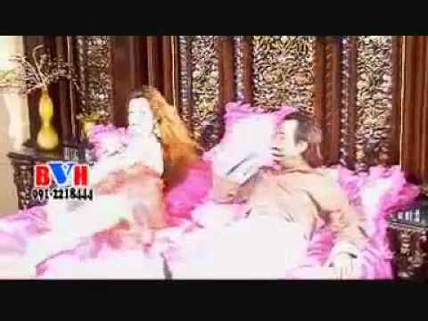 1st best hot dance Pashto song of 2011 by Nazia iqbal / Sahar khan dancing