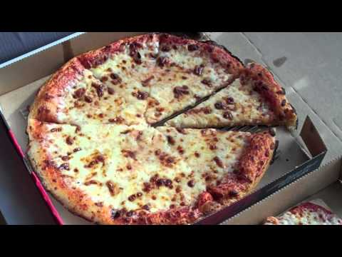 Pizza Hut Gluten Free Pizza Review - A Must Watch!