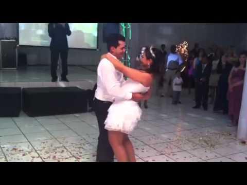 Suzana e Joelton dançando no casamento! by Nay Borges