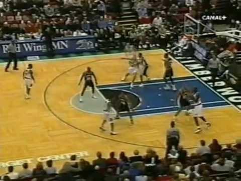 Kevin Garnett (31pts/16rebs/5asts) vs. Tim Duncan (26pts/12rebs) (2001)