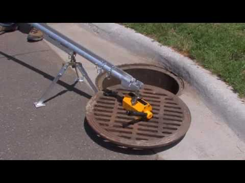 0 BigsEasyLift Tripod with BigsEasyLift Mag01 Removing Manhole