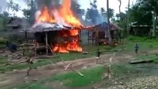 Beredar Video Tentara Myanmar Bombardir Perkampungan Muslim Di Rohingya Tonton Dan Sebarkan