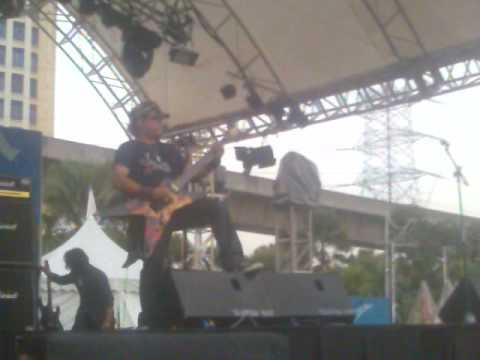 MetalLAN SA'GATT (Gitar Solo live) @ Padang Amcorp Mall Video