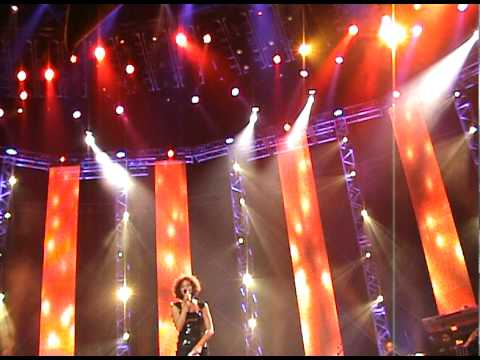 2009-12-12  whitney houston - step by step (live in st petersburg)