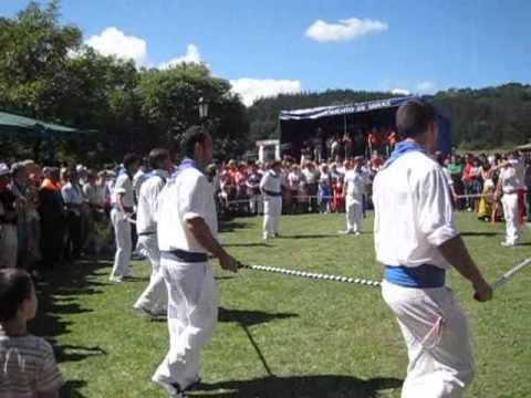 danza de las lanzas mozucu 2010 video 1 - YouTube