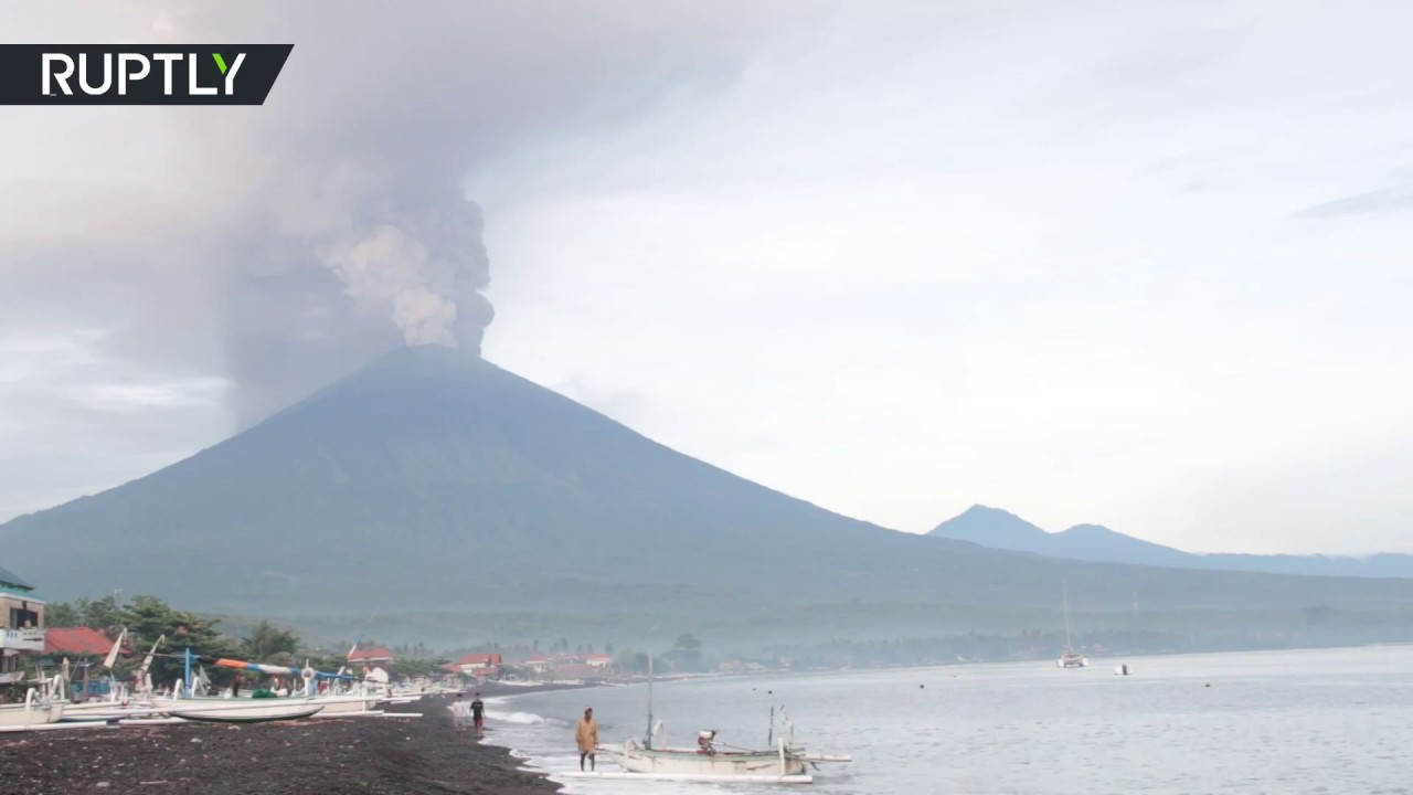 Red Alert: Agung volcano eruption prompts evacuation in Bali