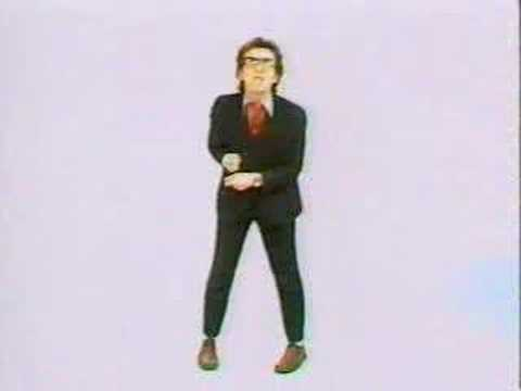 Elvis Costello - (I Dont Want To Go To) Chelsea