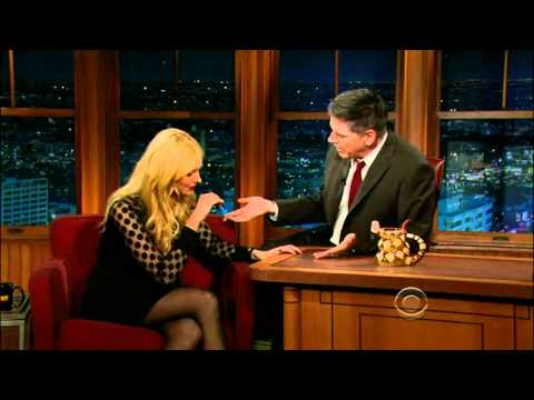4.Laura Prepon And Ending, 6 Jan 2012- Craig Ferguson [HD]