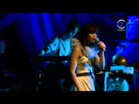 [HD] Bat For Lashes - Whats A Girl To Do? (Live Shepherds Bush Empire 2009)